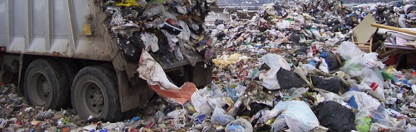 We gooien gemiddeld zo'n 30 kg afval per week weg